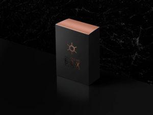 Мокап коробки, упаковки в стиле люкс, VIP, премиум темном и золотом psd